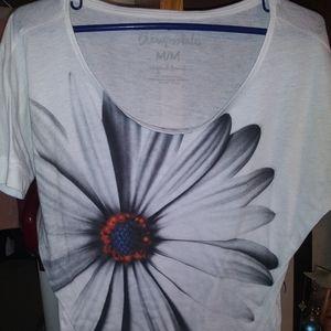 Aero size Med never worn! Beautiful shirt